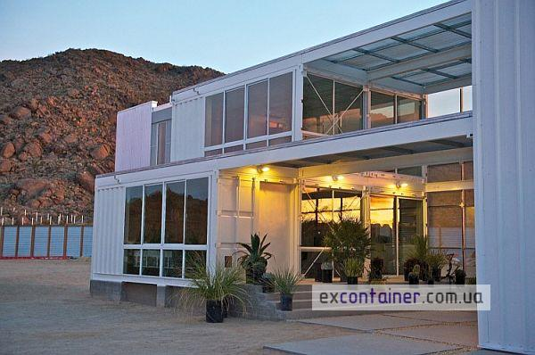 First-Shipping-Container-House-in-Mojave-Desert-4