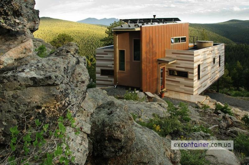 Shipping-Container-House-Studio-HT-solar